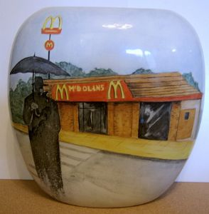 CarltonWare Large Purse Vase - The Rainman Outside a Burger Bar